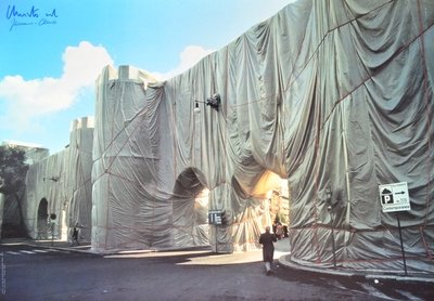 Christo und Jeanne-Claude Wrapped Roman Wall Druck